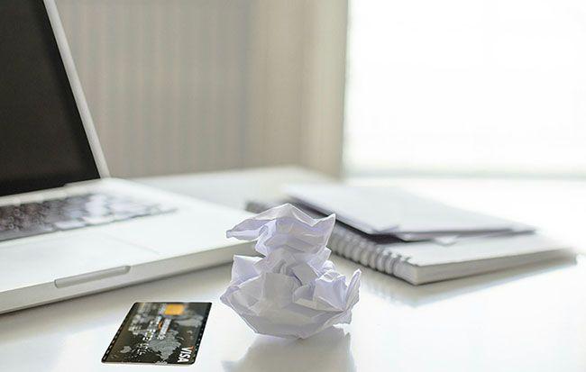 karta kredytowa laptop dokumenty