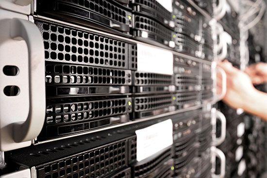 Jak uruchomić kolokację serwerów w firmie?